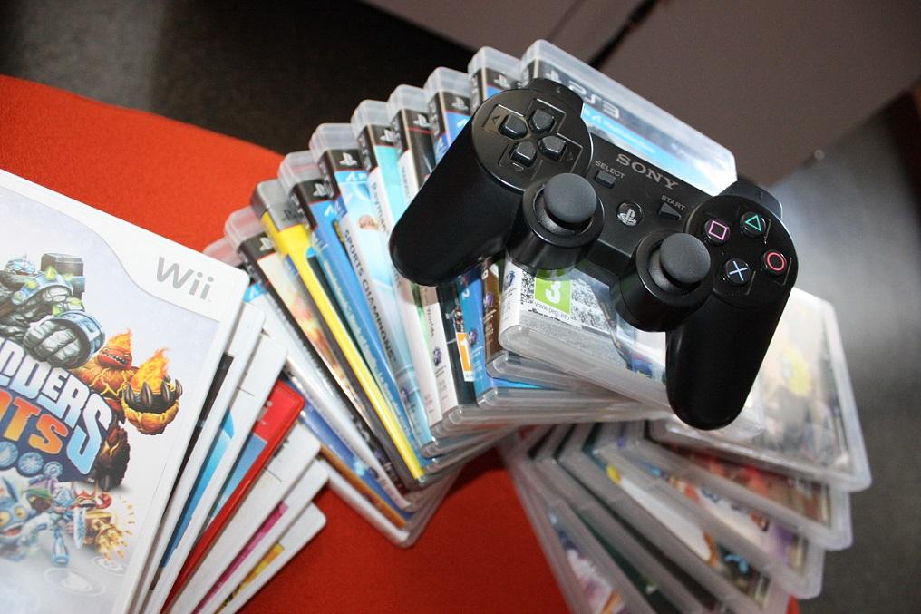 Après-midi jeux vidéo à la bibliothèque des Pins