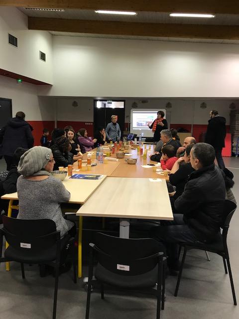 """Soirée débat organisée par le Conseil Citoyen du quartier """"Les Pins"""""""