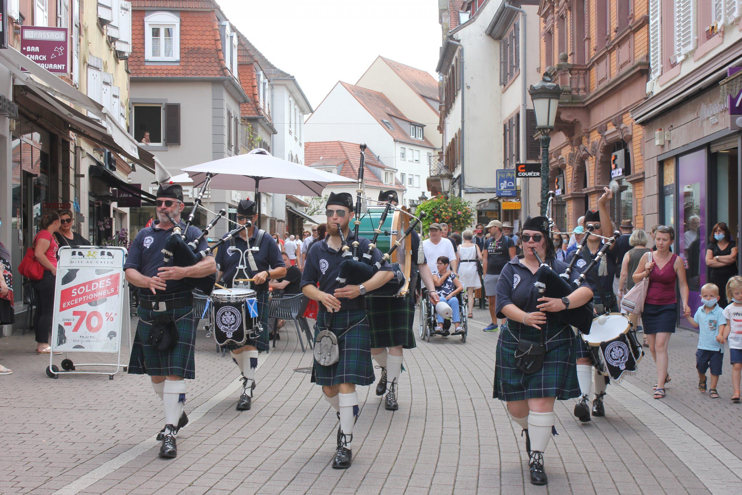 Highland Dragoons Pipe Band en concert