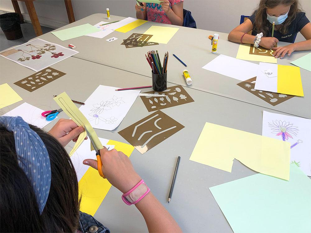 """Atelier artistique enfant """"Herbier Hybride"""""""